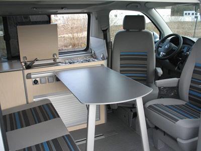 Mesa para camper de Autos Elizasu