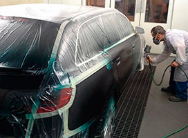 Cabina de pintura en Carrocería de Autos Elizasu