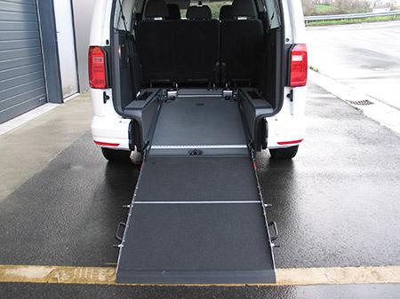 Eurotaxi Rebaje de piso en Volkswagen Caddy Maxi vista rampa desplegada